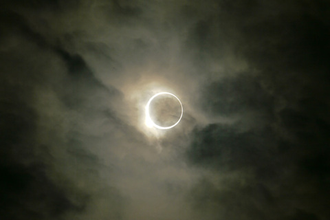 s_eclipse01.jpg