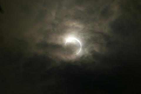s_eclipse03.jpg